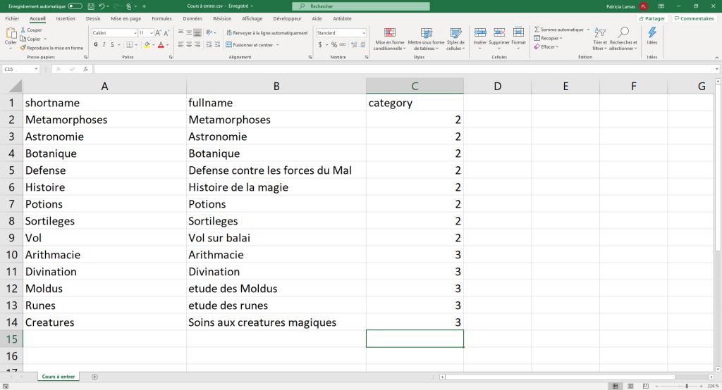 Définition d'un fichier CSV pour entrer des cours en Moodle.